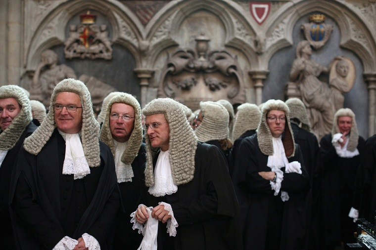 The role of the precedent in the English and Italian judicial system